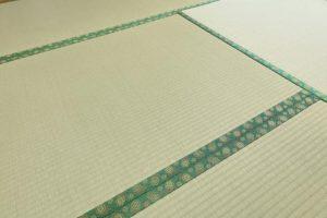 畳にダニ捕りロボを使うとき